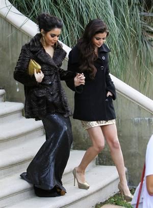 Selena Gomez headed to the Golden Globe Awards in LA 1/13/13