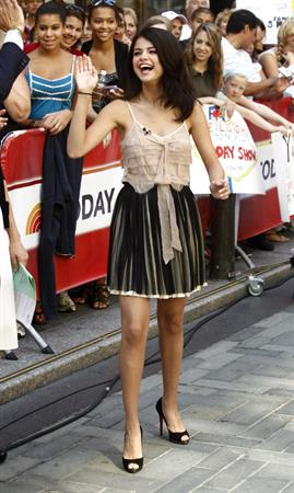 Selena Gomez visits the Today Show July 21, 2010