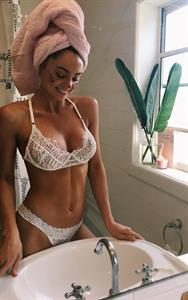 Elouise Morris in lingerie