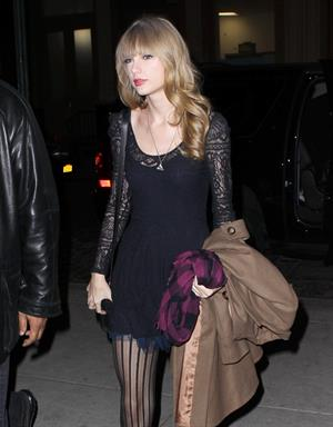 Taylor Swift leaving a theater in New York City June 12, 2012
