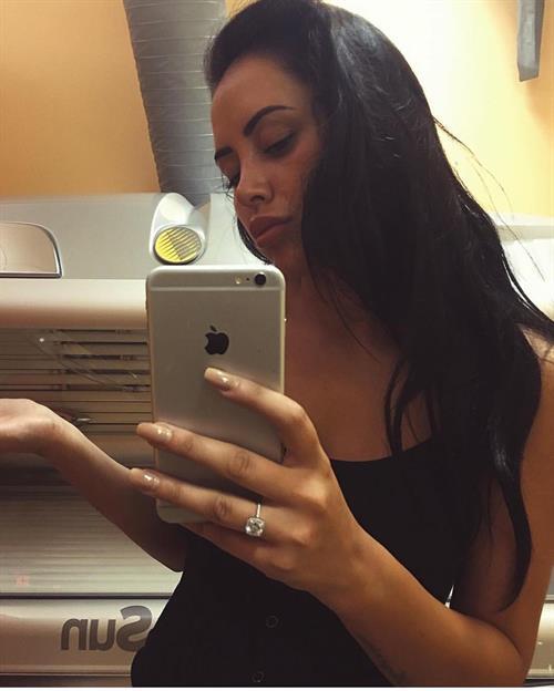 Marnie Simpson taking a selfie