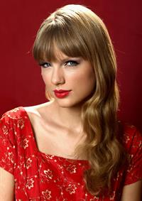 Taylor Swift - Matt Sayles portrait session in Beverly Hills on October 17, 2012