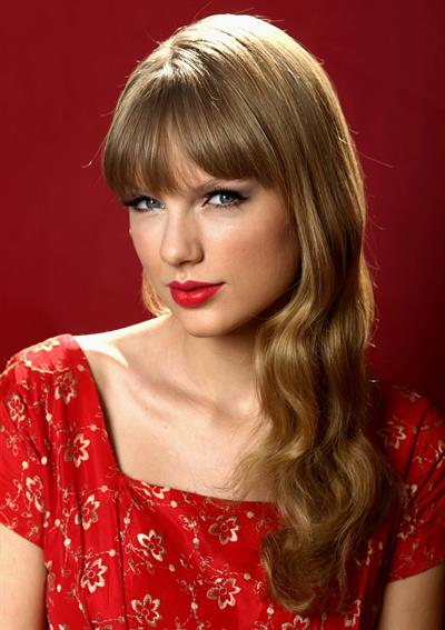 Taylor Swift - Matt Sayles portrait session in Beverly Hills on October 17, 2012