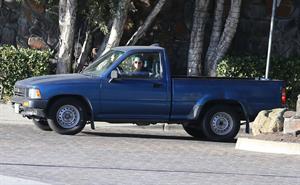 Kristen Stewart driving in Los Angeles - October 30, 2013