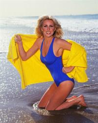 Suzanne Somers in a bikini