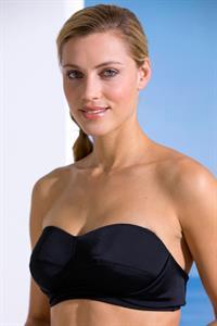 Armanda Barten in a bikini