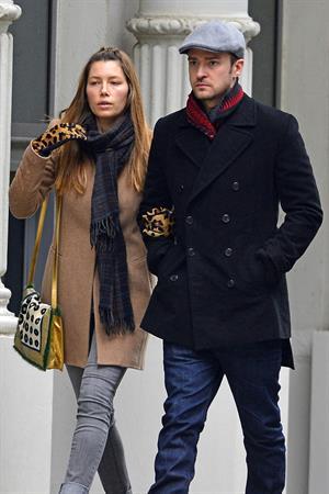 Jessica Biel taking a stroll with her fairly unknown boyfriend in New York City (01.03.2013)