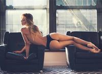 Alexis Ren - ass