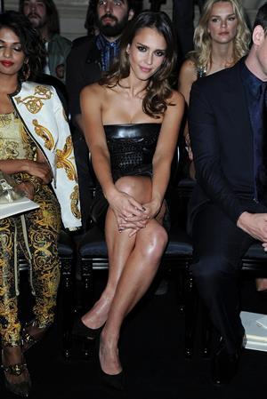 Jessica Alba Versace Fashion Show in Paris 01-07-12