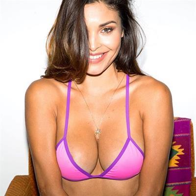 Johana Gómez in a bikini