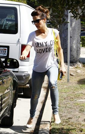 Kate Beckinsale out and about - August 15, 2013
