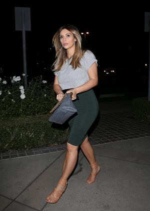 Kim Kardashian Out in Calbasas (November 13, 2013)