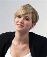 Jennifer Lawrence Q&A at the Yahoo Headquarters - Los Angeles - November 6, 2013