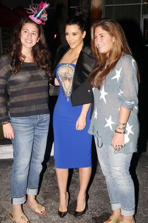 Kim Kardashian greets fans outside restaurant in Miami Beach - Jan 6, 2013