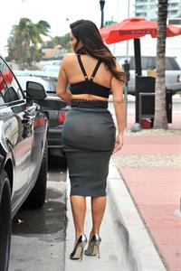 Kim Kardashian out for dinner in Miami 10/14/12