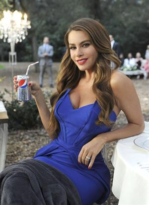 Sofia Vergara takes a break while shooting her newest Diet Pepsi commercial 12/16/12