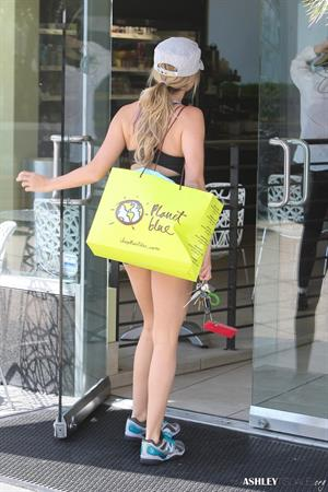 Ashley Tisdale arriving at the gym in West Hollywood 01-08-2012