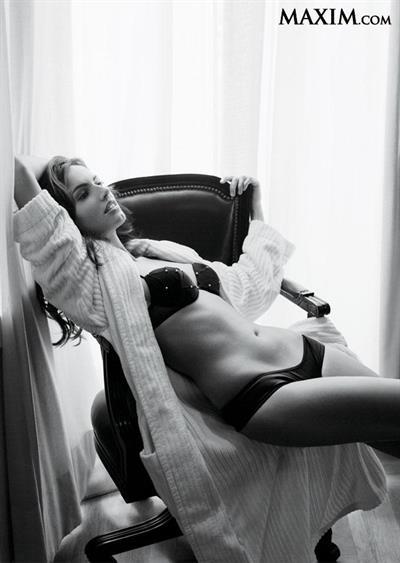Claudia Bassols in lingerie