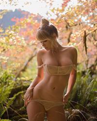 Sara Jean Underwood in lingerie