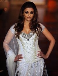 Aishwarya Rai Manish Malhotra Creations during hdil India Couture week in Mumbai on October 6, 2010