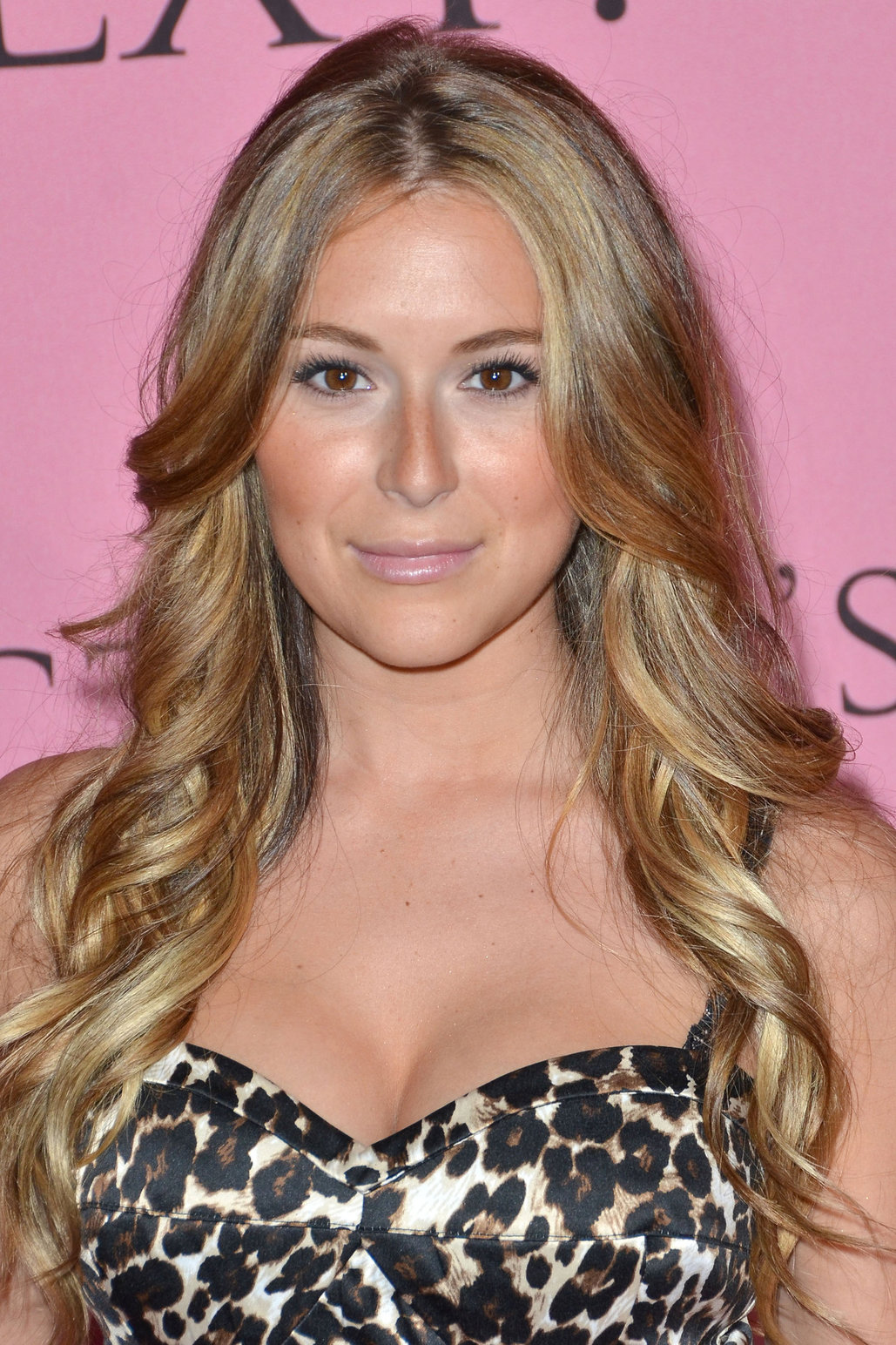 alexa vega dating Alexa vega dating speed dating frankfurt samstag where vulnerability alexa vega dating comes in, strength is born and when you can go out there and malia and stiles hookup be completely raw and open its much bigger than you, julianne hough added.