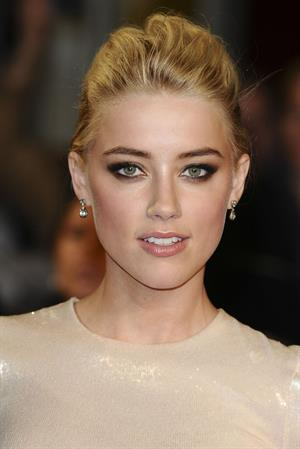 Amber Heard The Rum Diary premiere in London 3-11-2011