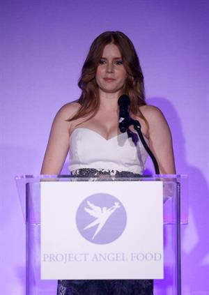 Amy Adams attends Angel Awards 2010 on August 21 in Los Angeles California