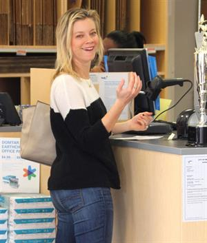 Amy Smart leaves a FedEx Office in Beverly Hills 12/21/12