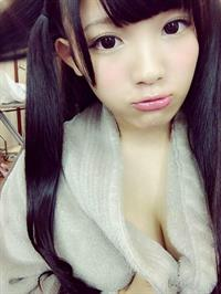 Jun Amaki taking a selfie
