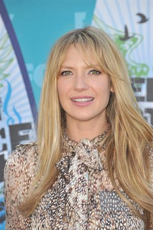 Anna Torv attends the Teen Choice Awards at Gibson Amphitheatre on August 8, 2010