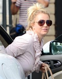 Britney Spears leaving dance studio in Sherman Oaks, on October 24, 2013
