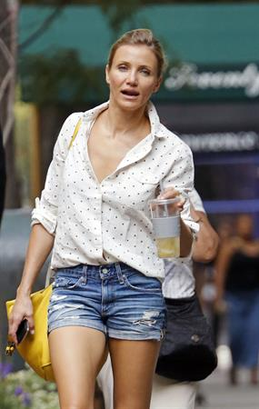 Cameron Diaz - Out And About in NYC 02.08.12