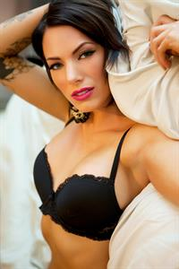 Juelz Ventura in lingerie