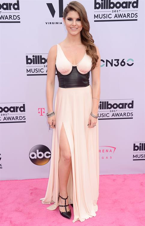 2017 Billboard Music Awards (HQ Album)