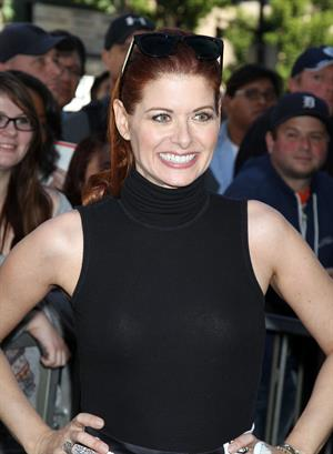 Debra Messing Mariska Hargitay Honored With Star On The Hollywood Walk Of Fame in Hollywood, Nov. 8, 2013