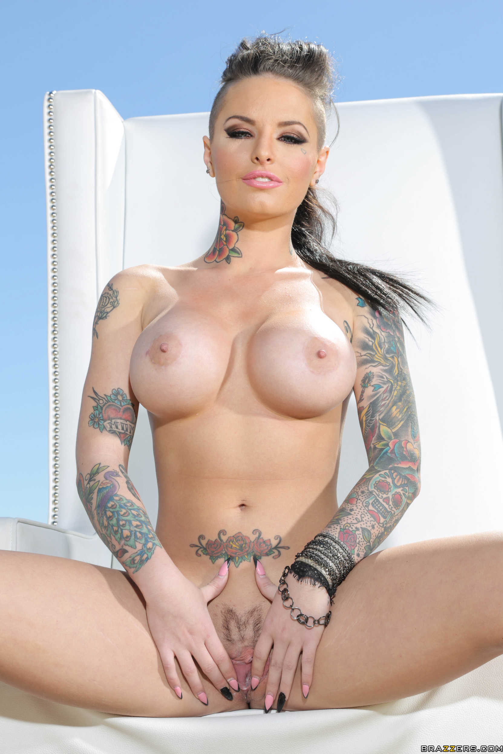 Christy mack nude pictures
