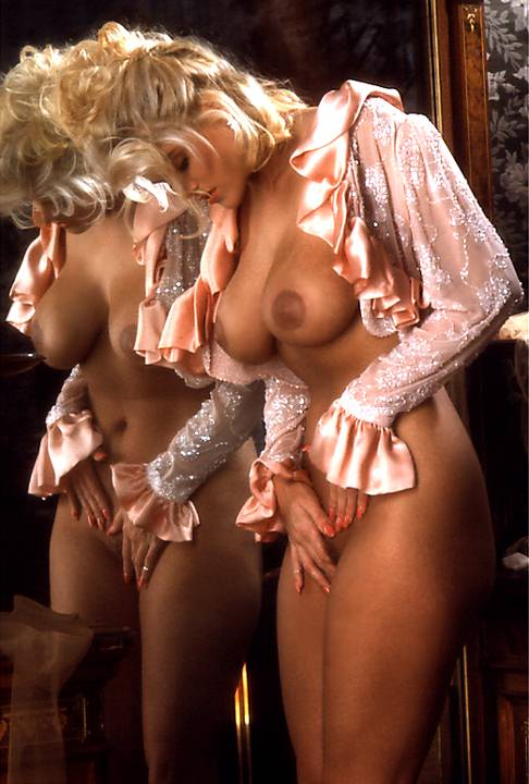Anna Nicole Smith - breasts
