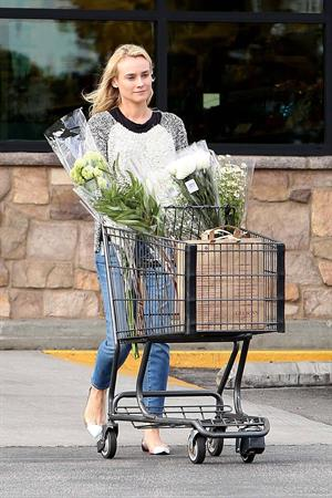 Diane Kruger Step out for a quick trip to a local Gelson's Maker in Hollywood on May 8, 2013