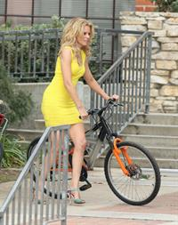 Elizabeth Banks on the set of 'Walk Of Shame' in LA 2/5/13