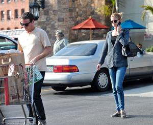 Emily VanCamp picks up some groceries at a Gelson's in LA October 6, 2012