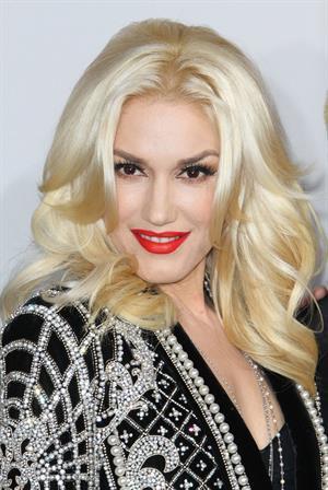 Gwen Stefani and No Doubt American Music Awards (November 18, 2012)