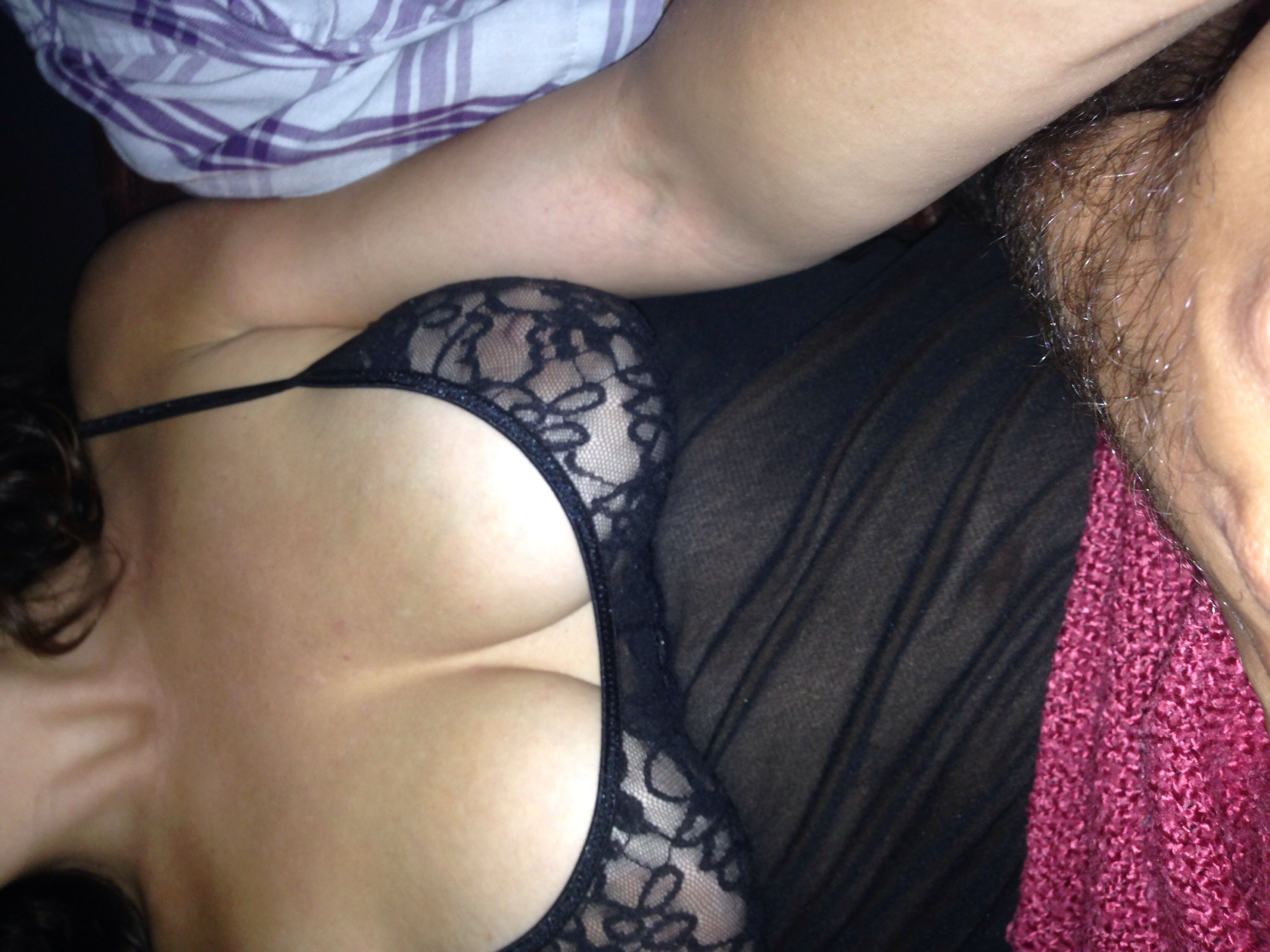 catsNbooks XOXO in lingerie
