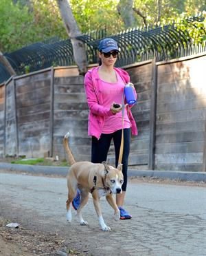 Jenna Dewan Takes her dog for a walk in Runyon Canyon, Los Angeles (November 16, 2012)