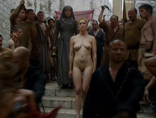 nude women bathing video