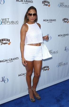 Jennifer Lopez - Wet Republic pool party at the MGM Grand in Las Vegas August 18, 2012