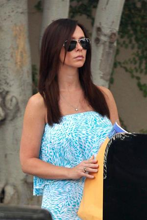 Jennifer Love Hewitt Out and about in Los Angeles - June 25, 2013