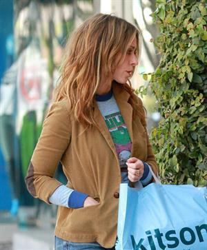Jennifer Love Hewitt Shopping at Kitson in Beverly Hills April 6, 2013