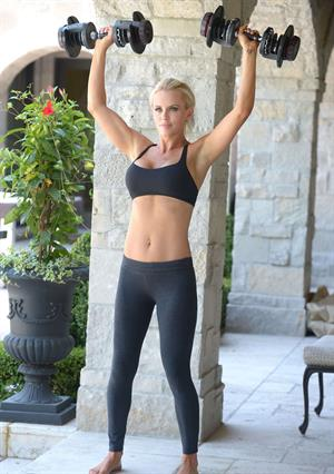 Jenny McCarthy lifting weights & doing yoga at her home in Chicago 11/26/12