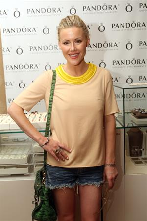 Kathleen Robertson HBO Luxury Lounge In Honor Of The 64th Primetime Emmy Awards (September 22, 2012)
