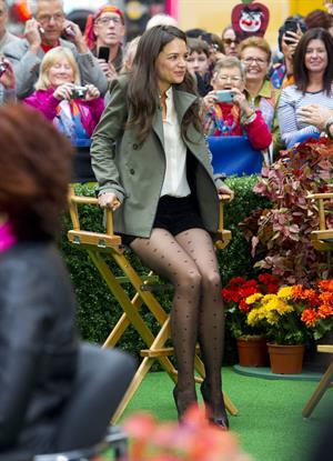 """Katie Holmes – """"Good Morning America"""" set, NY 10/9/13"""
